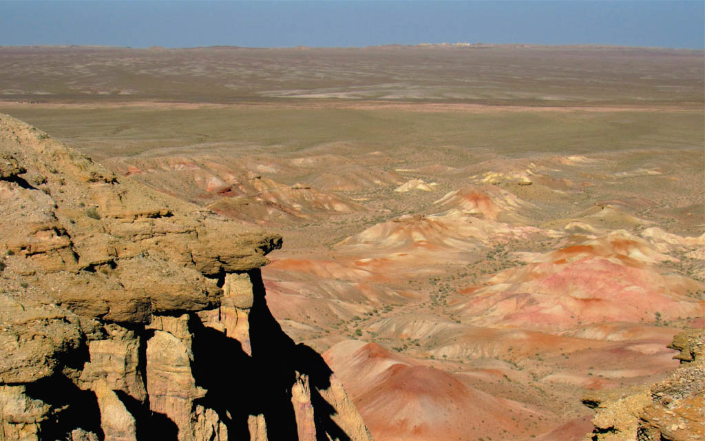 Tsagaan Suvraga in the Gobi Desert